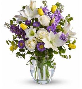 16719b_Spring-Waltz-Bouquet