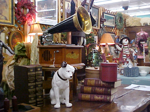 shopping-style-flea-markets-colorado-antique-gallery